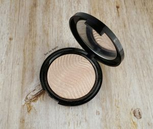 shop my stash June make up for ever pro light fusion 01